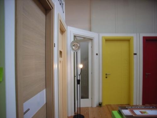 Lavorlegno srl produzione porte interne - Porte interne colorate ...